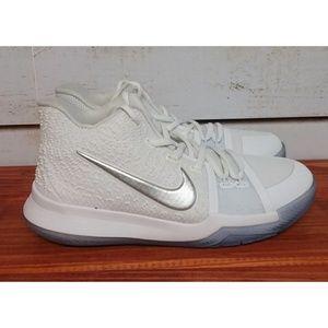 Nike Kyrie 3 Size 7